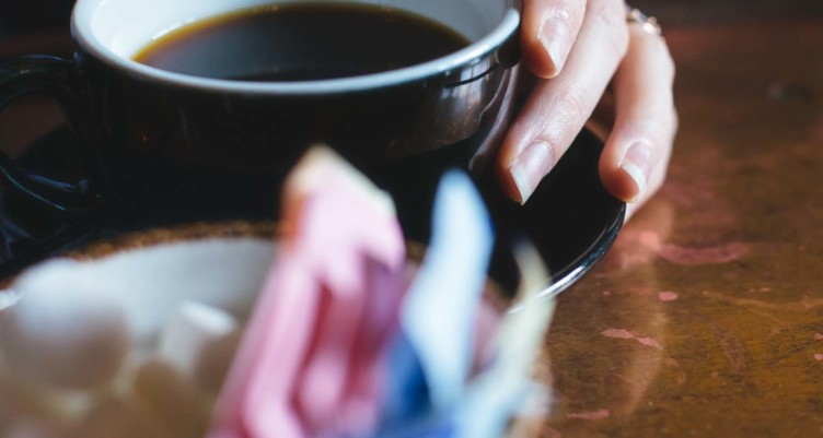 5 Worst Things to Put in Your Coffee_Chemical Sweeteners