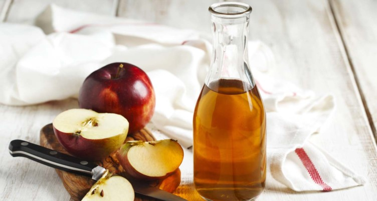 Apple Cider Vinegar's Benefits: Lose Weight, Heal Your Gut and Treat Acne