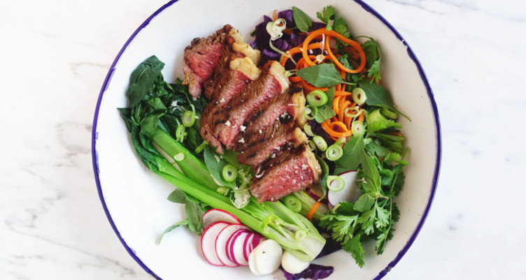 Low-Carb Thai Salad With Grilled Steak