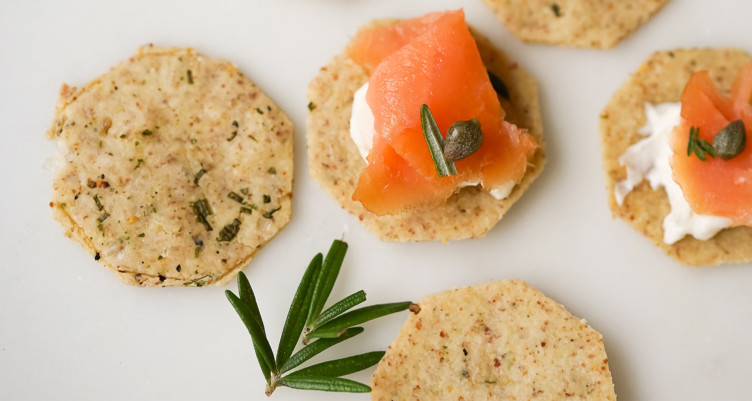 Low-Carb Paleo Herb & Almond Flour Crackers