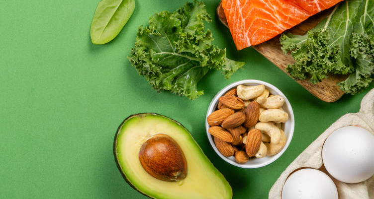 Image of keto diet foods such as avocados and nuts
